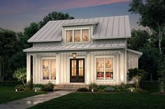 Small Farmhouse Plans, Modern Farmhouse Exterior, Modern Farmhouse Style, Farmhouse Design, Farmhouse Bedrooms, Farmhouse Style Homes, Cottage Farmhouse, Porch House Plans, Lake House Plans
