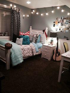 Bedroom with tv, room ideas bedroom, teen room decor, bedroom themes, dor. Small Room Bedroom, Bedroom Makeover, Bedroom Design, Girly Bedroom, Bedroom Decor, Girl Room, Small Bedroom, Room Design, Room Decor