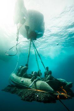 Le Museo Atlantico est le premiermusée sous-marin à ouvrir en Europe ! Après le Mexique ou lesBahamas, l'artisteJason deCaires Taylor a en effet comm