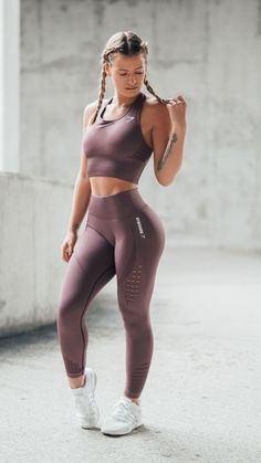 Time to energize. Gymshark Athlete, Meggan Grubb styles the new Energy Seamless Crop Vest and Leggings in Purple Wash. Set your alarms for 1st January at 3pm GMT to get yours. #vestswomens