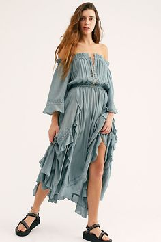 Free People Bliss Maxi Dress (XS-M fit)- super cute with brown booties and hat. Family Photo Outfits, Family Photos, Pop Culture Halloween Costume, Layered Skirt, Beach Dresses, Bohemian Dresses, Summer Dresses, Casual Summer Outfits, Casual Dresses