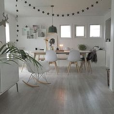 @jorunn_ls Instagram photos | Websta Dining Area, Dining Room, Dining Table, Style Deco, Home And Deco, Decoration, Eames, Sweet Home, Home And Garden