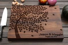 Personalized Cutting Board Wood Cutting Board with by FancyWoods -- idea for pyrography. This was another cutting board inspiration I used. Wood Burning Crafts, Wood Burning Patterns, Wood Burning Art, Dremel Projects, Wood Projects, Woodworking Projects, Diy Cutting Board, Wood Cutting Boards, Personalized Cutting Board