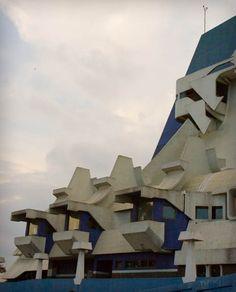 Guatemala's Gran Teatro Nacional - Efrain Recinos