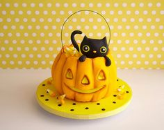 black fondant kitty cat sculpted pumpkin jackolantern cake how to