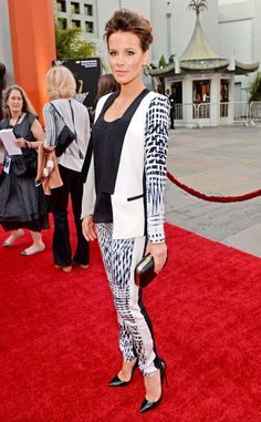Kate Beckinsale stuns in a patterned Parker suit with Me Char clutch.