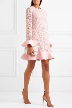 Valentino - Ruffle-trimmed guipure lace and crepe mini dress The Dress, Dress Skirt, Pink Dress, Short Dresses, Prom Dresses, Valentino Dress, Mode Outfits, Elegant Dresses, African Fashion