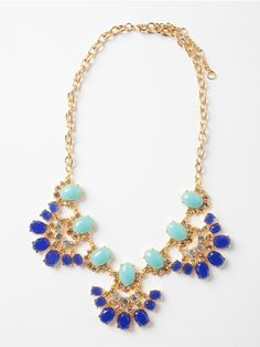 Pretty statement necklace