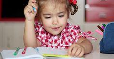 En la mayoría de las familias tanto papá como mamá trabajan todo el día, bien sea por la necesidad de mantener el hogar, o por satisfacer metas personales y profesionales; viéndose muchas veces obligados a recurrir a la Escolarización temprana de los niños. http://www.psicologiaenaccion.com/beneficios-desventajas-la-escolarizacion-temprana/