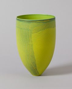 Pippin Drysdale_Tanami mapping 2011 the color is so unique,nice. Modern Ceramics, Contemporary Ceramics, Pottery Vase, Ceramic Pottery, Sculptures Céramiques, Ceramic Sculptures, Vase Crafts, Keramik Vase, Wooden Vase