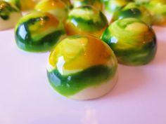Julias Torten und Törtchen: Lemongrass Pralinen (Farbige Pralinen)