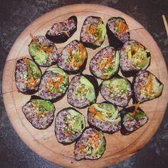 Love me some #quinoasushirolls! #quinoasushi #quinoa #sushi #vegansushi #veggies #cleaneating #veganfoodshare #vegansofig #vegan #healthy #dinner #rawtill4 #801010 #highcarb #foodporn #sushiporn