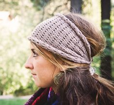 DIY Head Wrap Ear Warmer. I'm so going to try this for the winter.
