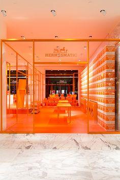 Hermes anniversary pop-up Window Display Retail, Retail Displays, Shop Displays, Orange Store, Orange Cafe, Retail Store Design, Retail Stores, Hermes Store, Retail Interior
