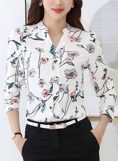 Blusas Floral Informal de Poliéster Decote V Manga comprida Designs For Dresses, Professional Attire, Casual Work Outfits, Shirts & Tops, Shirt Blouses, Blouse Styles, Stylish Dresses, Blouses For Women, Fashion Outfits