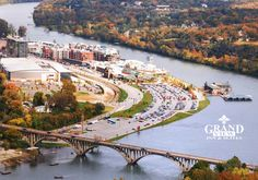 Skip the crowded cities, and spend your Christmas in one of the South's charming small towns. It's a small town Christmas you won't soon forget. Branson Landing, Affordable Family Vacations, Branson Vacation, Christmas Getaways, Silver Dollar City, Branson Missouri, Vacation Spots, Vacation Ideas, Vacation Wishes