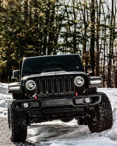The jeep you have always desire to want! Jeep Wrangler Lifted, Jeep Rubicon, Dream Cars, My Dream Car, Accessoires Jeep, Jeep Carros, Jeep Sahara, Black Jeep, Jeep Truck