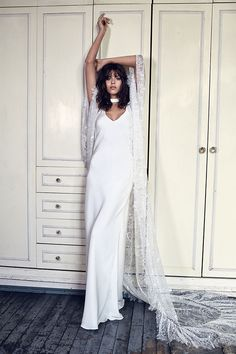 BLANC_ARLO long lace bridal cape