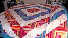 Love the colors of this log cabin quilt