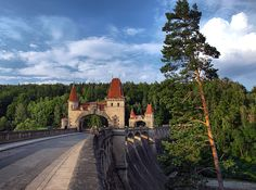Les Království - unikátní přehrada na řece Labi Praha, Story Setting, Czech Republic, The Good Place, Travelling, Medieval, Lab, Beautiful Places, Sidewalk
