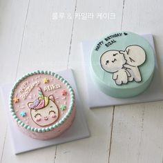 Korea Cake, Cute Birthday Pictures, Animal Birthday Cakes, 18th Cake, Pretty Birthday Cakes, New Cake, Fashion Cakes, Painted Cakes, Birthday Cake Decorating