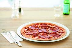 PIZZA SALAME | Würzige Salami auf hausgemachter Tomatensauce und Mozzarella.