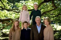 Newmyroyals:  The Belgian Royal Family released new photos, January 2017-Princess Elisabeth, Prince Gabriel, King Philippe and Queen Mathilde with Princess Eléonore and Prince Emmauel in the back