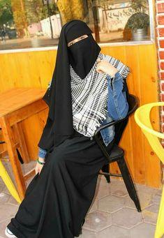 Hijab Dp, Hijab Niqab, Muslim Hijab, Beautiful Muslim Women, Beautiful Hijab, Beautiful Hands, Niqab Fashion, Muslim Fashion, Hijabi Girl