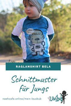 Das Shirt für Jungs mit Teilung und Bauchtasche: mit diesem Schnittmuster macht Nähen für Jungs macht einfach Spaß! Mein Lausbub – Schnittmuster für Jungs Raglan, Graphic Sweatshirt, Sweatshirts, Sweaters, Fashion, Fanny Pack, Tops, Sewing Patterns, Moda
