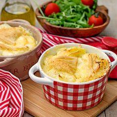 Tartiflette Empereur | Metro Mini Potatoes, Twice Baked Potatoes, Onion Casserole, Artichoke Pasta, Potato Onion, Vegetarian Bake, Potato Side Dishes, Main Dishes, Cooking Recipes