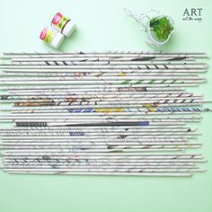 Home Crafts, Fun Crafts, Diy And Crafts, Arts And Crafts, Newspaper Wall, Newspaper Crafts, Painting For Kids, Diy Painting, Everyday Hacks