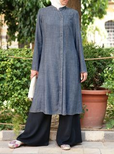 ✔ Dress Designs Ideas In Pakistan – Hijab Fashion 2020 Linen Dress Pattern, Tunic Sewing Patterns, Denim Tunic, Linen Tunic, Abaya Fashion, Fashion Dresses, Tunic Designs, Dress Designs, Modele Hijab