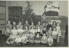 kindergarten in the 1960s | 11-1-08 UPDATE: In the picture above, the girl sitting in front of the ...