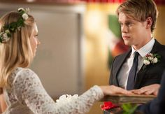"""Brittany and Sam Get Married in Glee Season 4, Episode 10: """"Glee, Actually"""""""