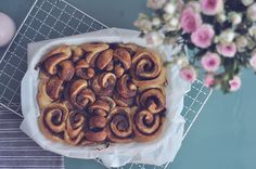 De bedste kanelsnegle | Emily Salomon Tasty, Yummy Food, Cake Recipes, Yummy Recipes, Fun Desserts, Food Pictures, Cravings, Foodies