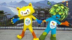 Die Maskottchen für Rio 2016: Vinicius (l./Olympia) und Tom (Paralympics) © picture alliance / dpa Fotograf: Alex Ferro