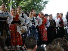 folk costumes with handkerchiefs images - Căutare Google Folk Costume, Costumes, Minho, Popular, Handkerchiefs, Traditional, Color, Google, Ethnic Dress