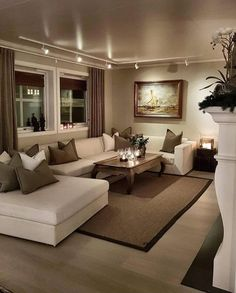 Cozy Small Living Room Decor Ideas For Your Apartment - .- Cozy Small Living Room Decor Ideas For Your Apartment – Home – Source by interiorrsde - Beige Living Rooms, Elegant Living Room, Cozy Living Rooms, Apartment Living, Interior Design Living Room, Home And Living, Living Room Brown, Living Area, Beige Room