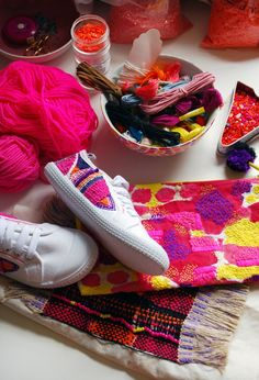 An interview and studio visit with Sydney-based textile and embroidery artist Liz Payne. Photo: Lisa Tilse for We Are Scout. Modern Embroidery, Diy Embroidery, Embroidery Patterns, Embroidery Sneakers, Diy Vetement, Textiles, Weaving Projects, Shoe Art, Diy Arts And Crafts