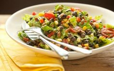Black Bean Salad with Avocado-Lime Dressing // Absolutely delicious! #healthy #salad #recipe