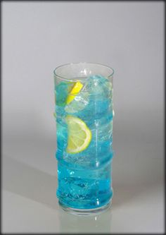 Blue Lagoon Cocktails, Cocktail Drinks, Blue Curacao, Blue Lagoon, Shot Glass, Vodka, Smoothie, Beverages, Cooking Recipes