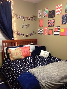 Navy blue and salmon college dorm room inspiration