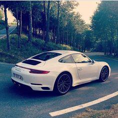 Cool Porsche 2017: Porsche 911...  Cars Check more at http://carsboard.pro/2017/2017/03/31/porsche-2017-porsche-911-cars-8/