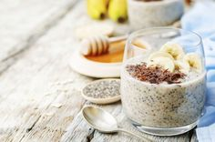 overnight banana oats quinoa Chia seed pudding decorated with ba by Arzamasova. overnight banana oats quinoa Chia seed pudding decorated with banana and chocolate. High Protein Breakfast, Quick Healthy Breakfast, Best Breakfast, Healthy Snacks, Breakfast Recipes, Healthy Recipes, Healthy Cooking, Breakfast Ideas, Quinoa Pudding