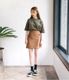 Korean Fashion Blog online style trend Korean Fashion Trends, Korean Street Fashion, Korea Fashion, Asian Fashion, Daily Fashion, Girl Fashion, Fashion Outfits, Fashion Design, Style Fashion