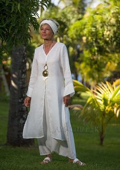 Side-slit white linen Tunic with long sleeves