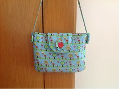 Little girl bag: tutorial and free pattern