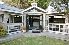 The Craftsman Mini-Me is a backyard guest house located in Venice, California and available for rent through Airbnb. Tiny House Swoon, Tiny House Living, Tiny House Design, Small Living, Mini Me, Backyard Guest Houses, Tiny Houses For Rent, Small Houses, Venice California