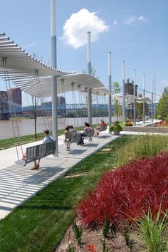 It's Not Hard To See Why Everyone Has Fallen In Love With This Riverfront Park In Cincinnati is part of architecture Board Presentation Design - Our city has fallen in love with this picturesque park along Cincinnati's riverfront Park Landscape, Landscape Plans, Urban Landscape, Parking Plan, Parking Space, Public Space Design, Public Spaces, Urban Park, Landscape Architecture Design