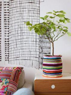 Colors for Life Crochet Vase, Knit Or Crochet, Easy Crochet, Crochet Plant Hanger, Art Shed, Cotton Cord, Wicker Picnic Basket, Plastic Flower Pots, Creative Textiles